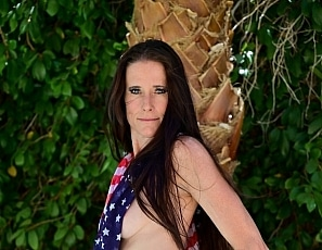 SofieMarieXXX/Red White Blue Scarves Pool
