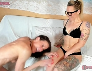 SofieMarieXXX/Sofie Barbie Spike Threesome